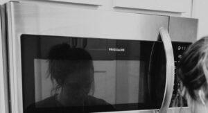 Read more about the article El modelo de microondas que necesitas para tu cocina