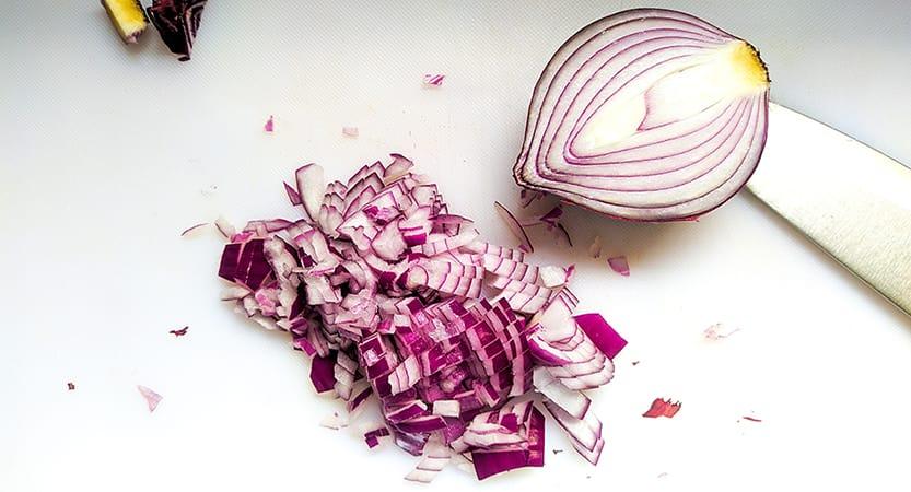 Cebolla pochada al microondas [sin grasas]